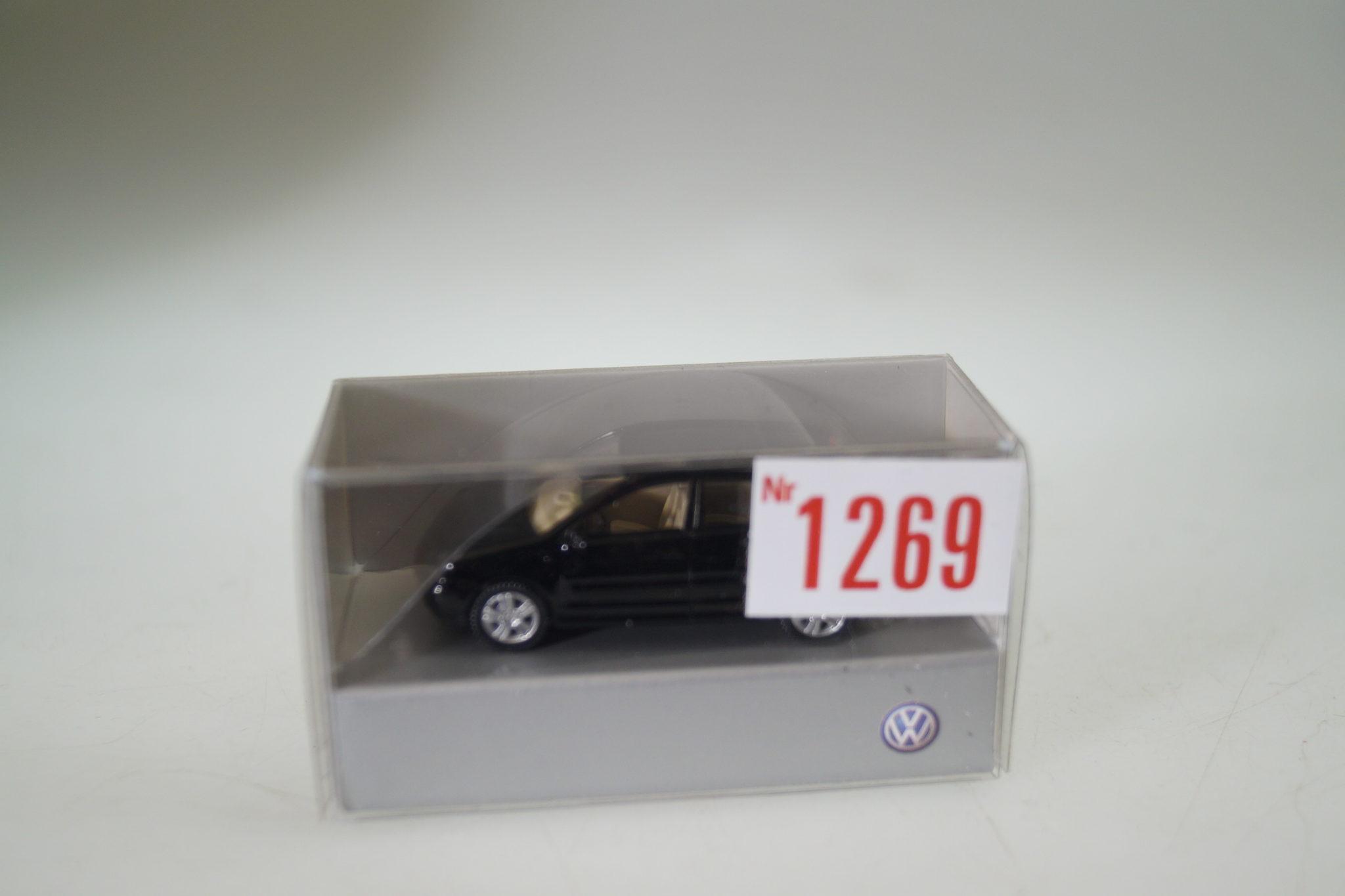 1:87 Wiking Somo VW Multivan schwarz neu