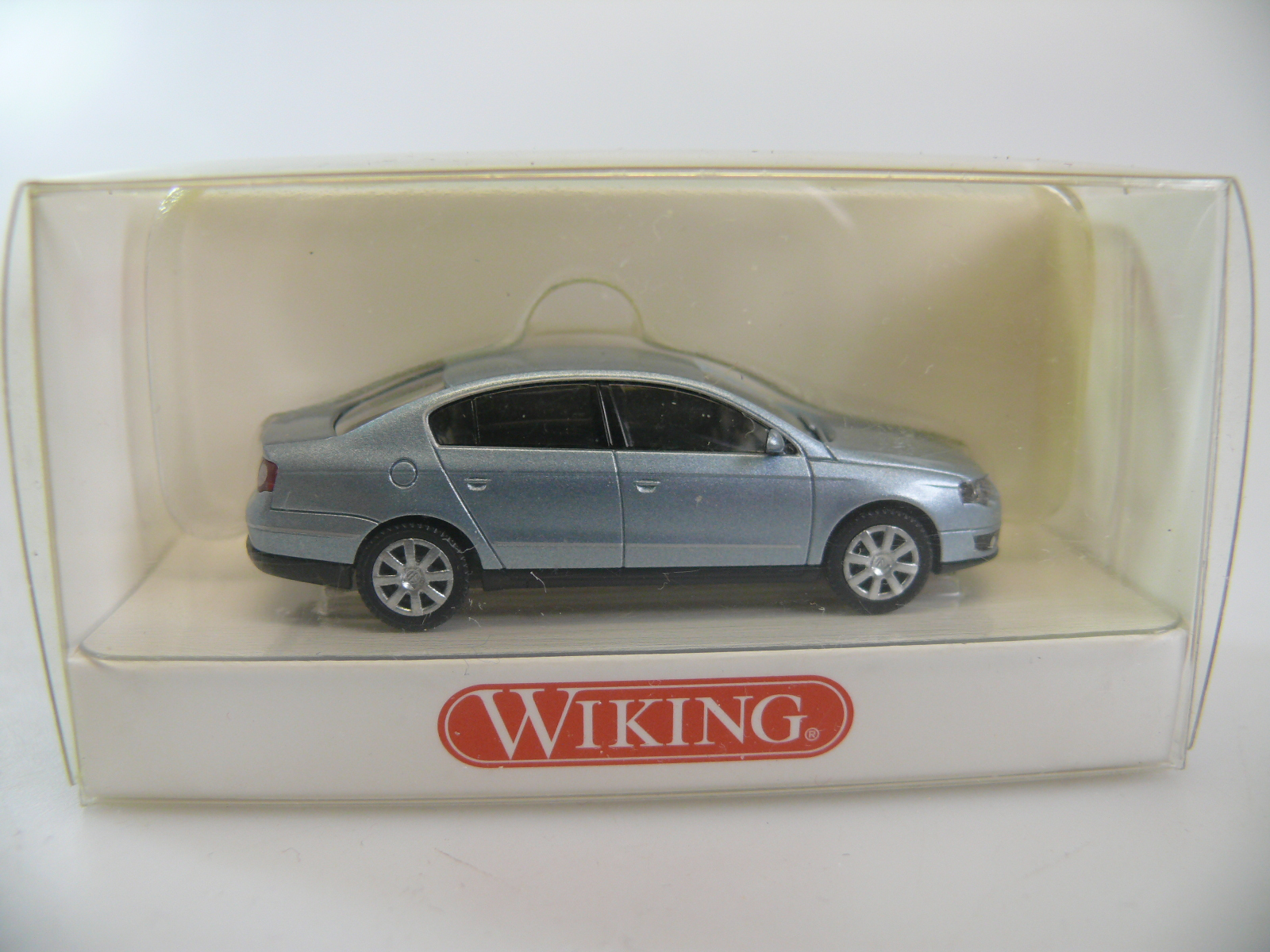Wiking 064 01 29 VW Passat Limousine in eisblau-metallic mit OVP #14